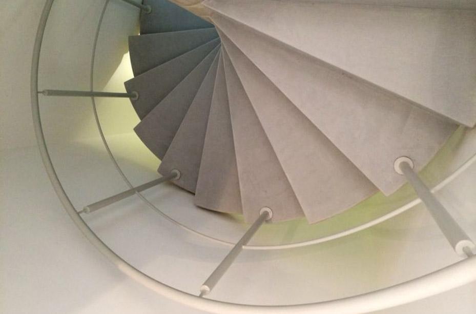 einwandfrei-web-material-beton-cire-treppe-01
