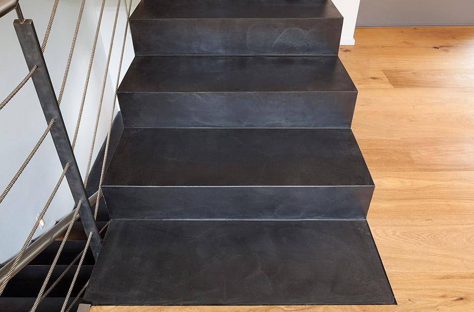 einwandfrei-web-material-beton-cire-treppe